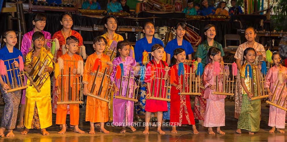 Bandung - Saung Angklung Udjo