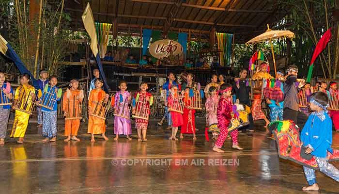 Bandung - Angklung muziekschool Pak Udjo