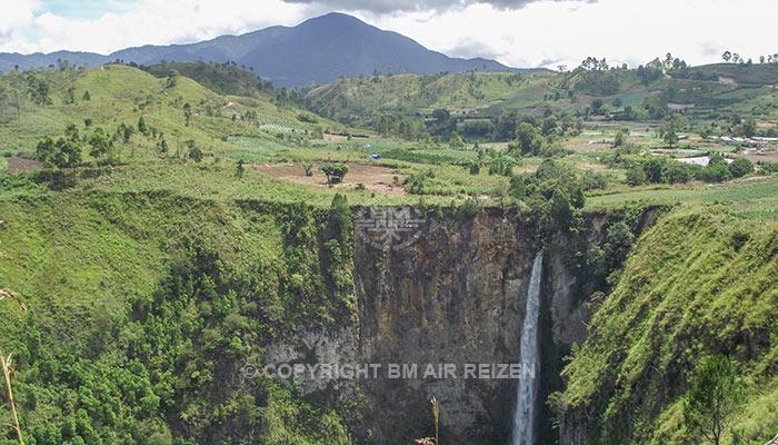 Sumatra - Sipiso-Piso waterval