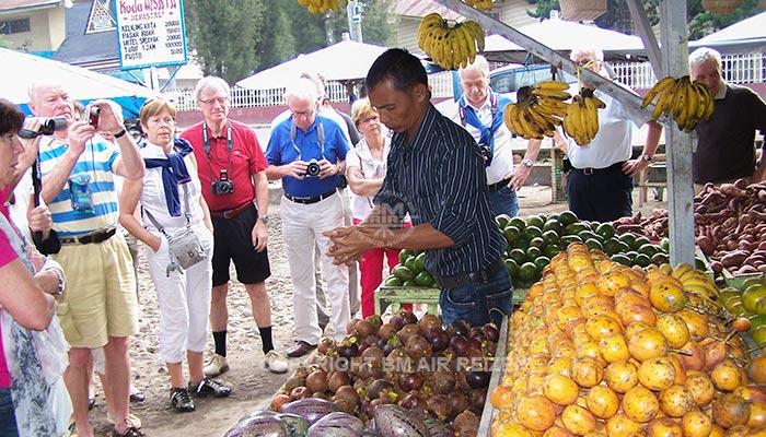 Berastagi - Lokale fruitmarkt
