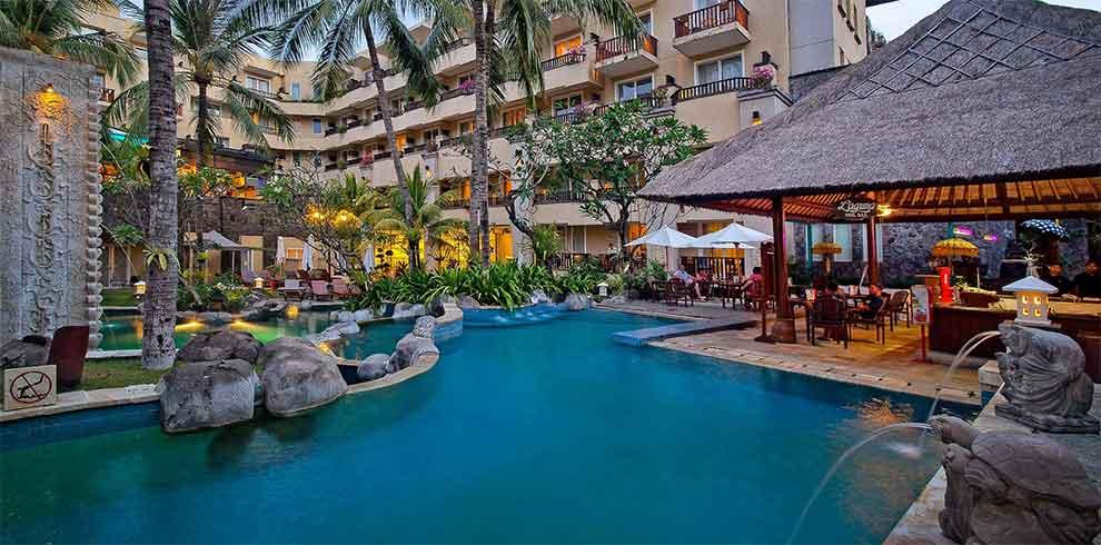 Kuta Beach - Kuta Paradiso Hotel