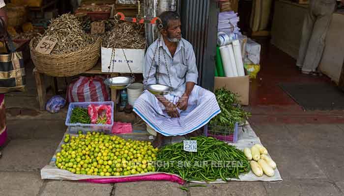 Rondreis Sri Lanka Best Deal - Fruitverkoper Kandy