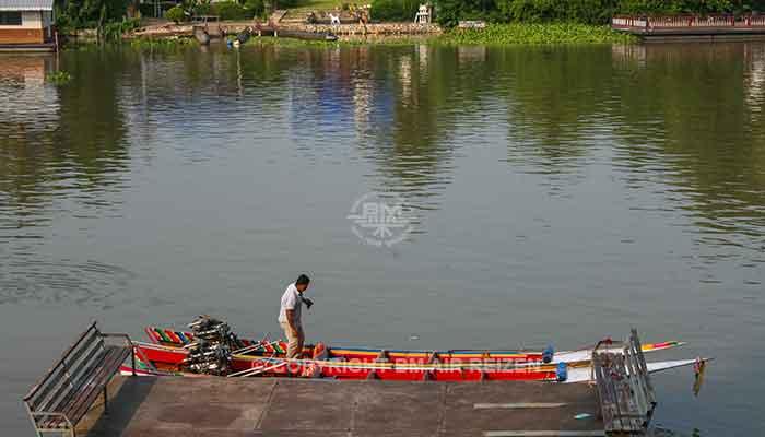 Kanchanaburi - boottocht River Kwai Bridge